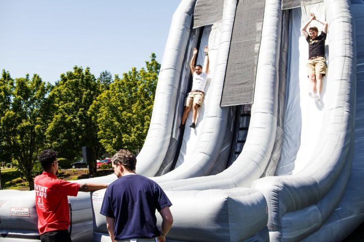 27' Cliffhanger Dual Lane Slide