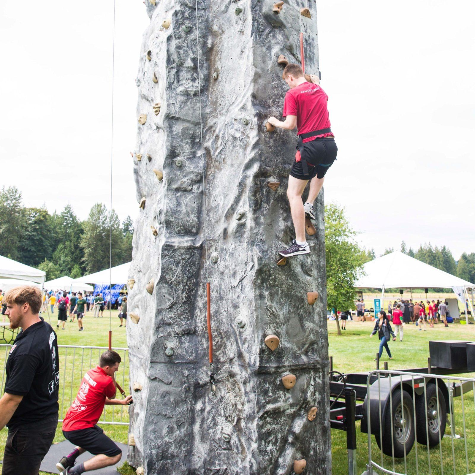 32′ Rock Wall