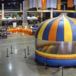 20′ Round Enclosed Bouncer