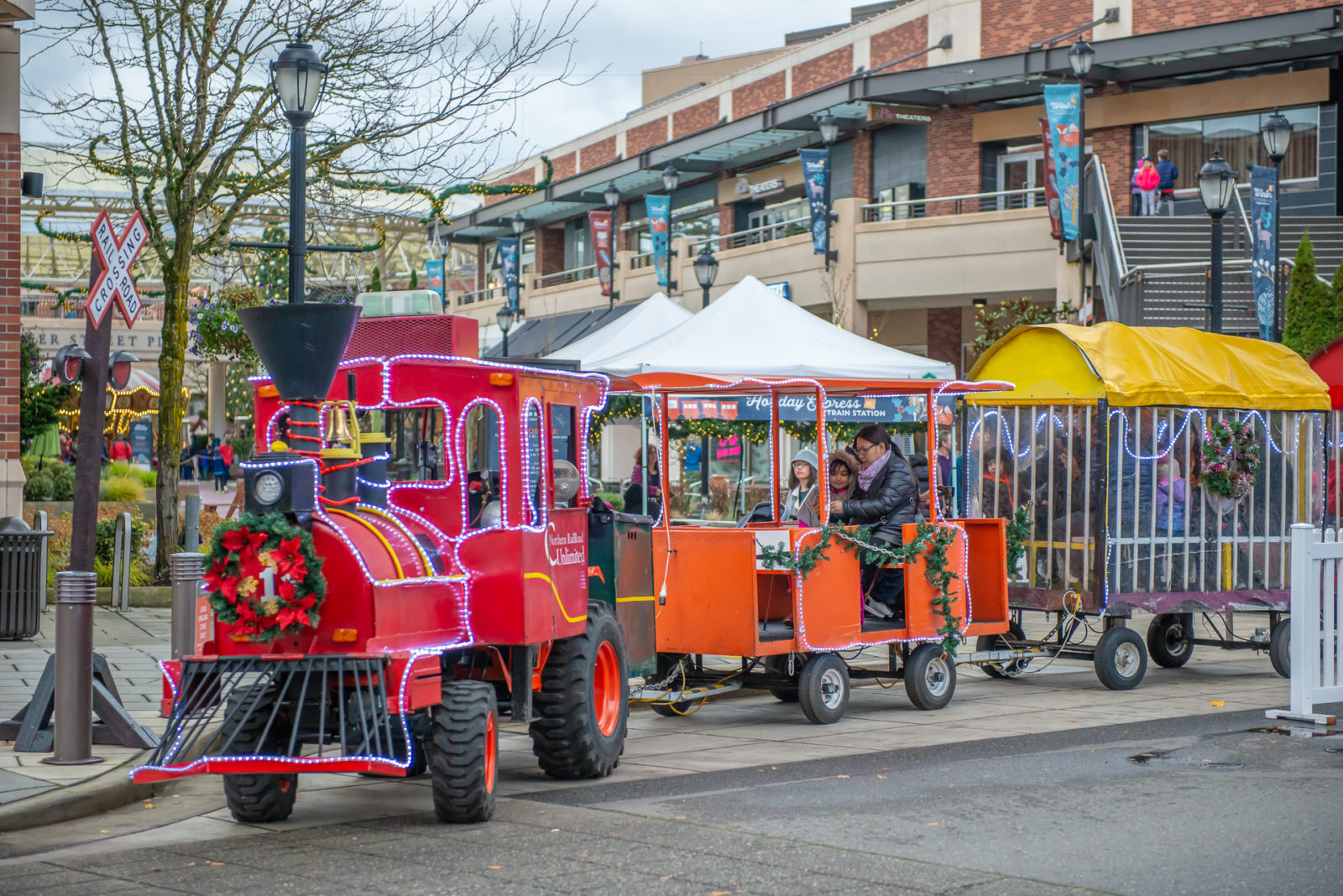 trackless train rental for carnivals or holiday events