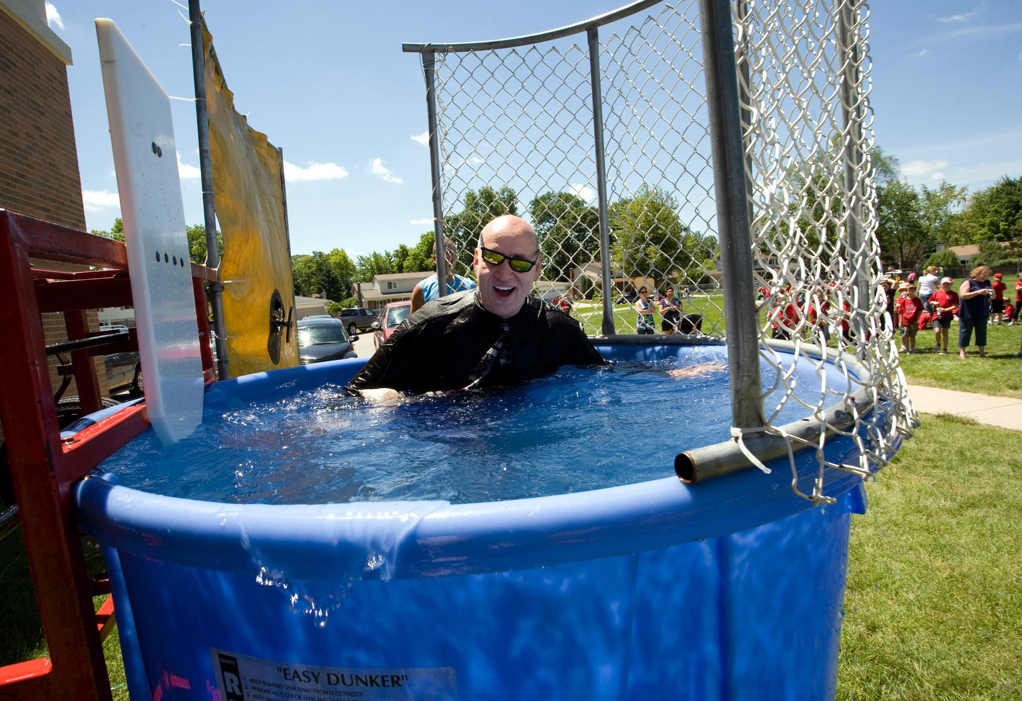 Dunk tank rentals are super easy in Portland Oregon