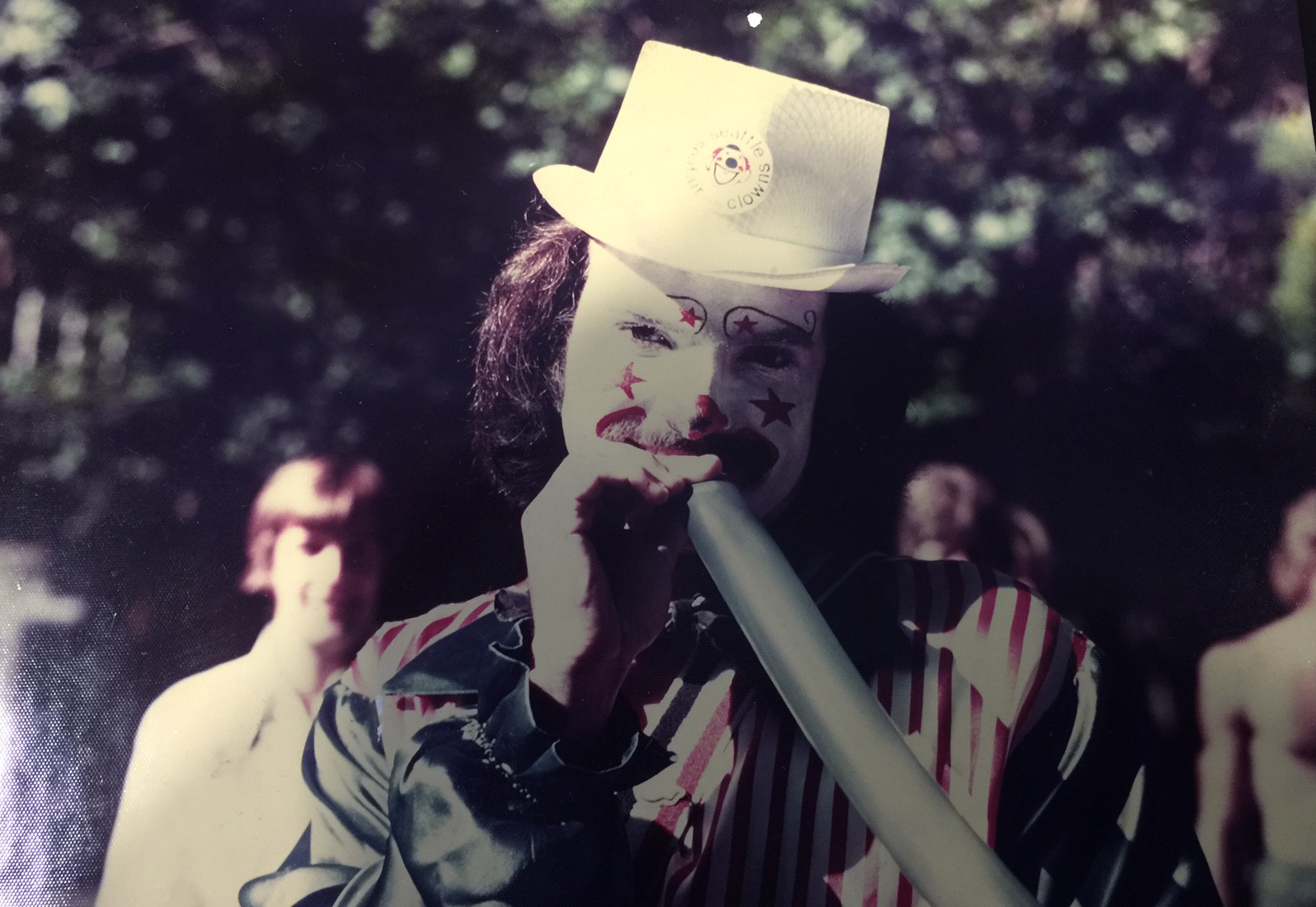 Bob Washburn as Leo the Clown
