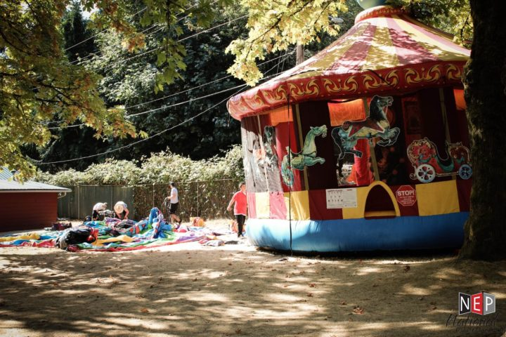 25' Carousel Bouncer