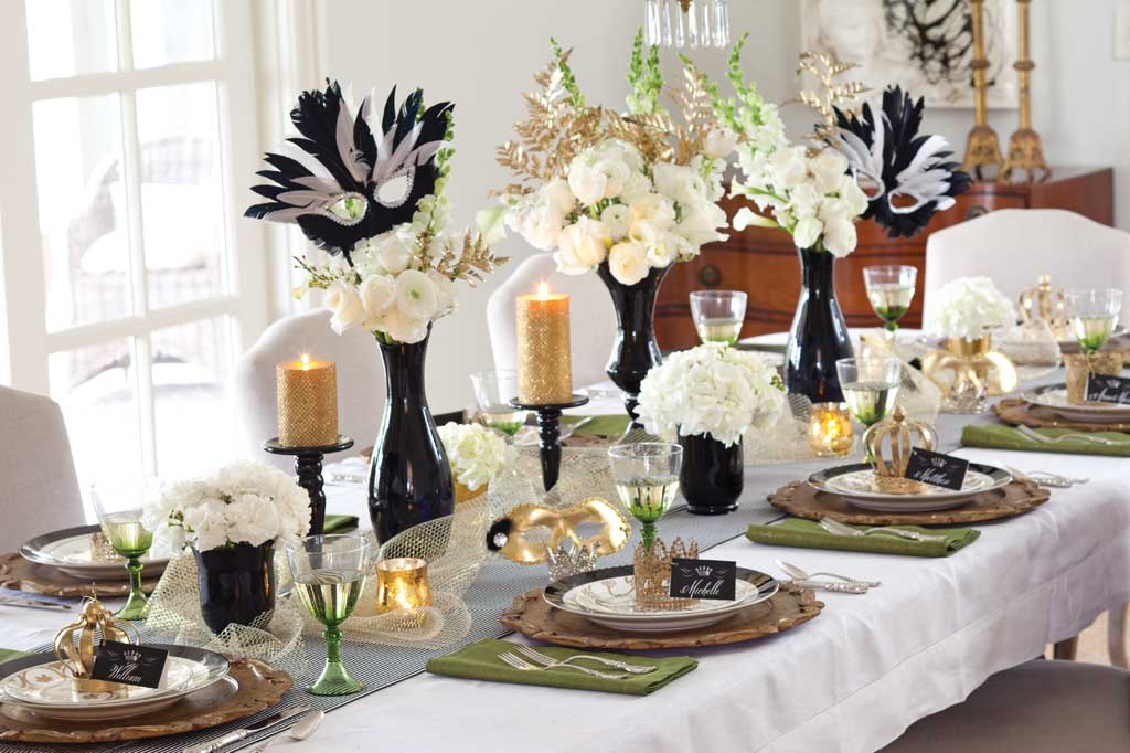 Mardis Gras dining table decorations