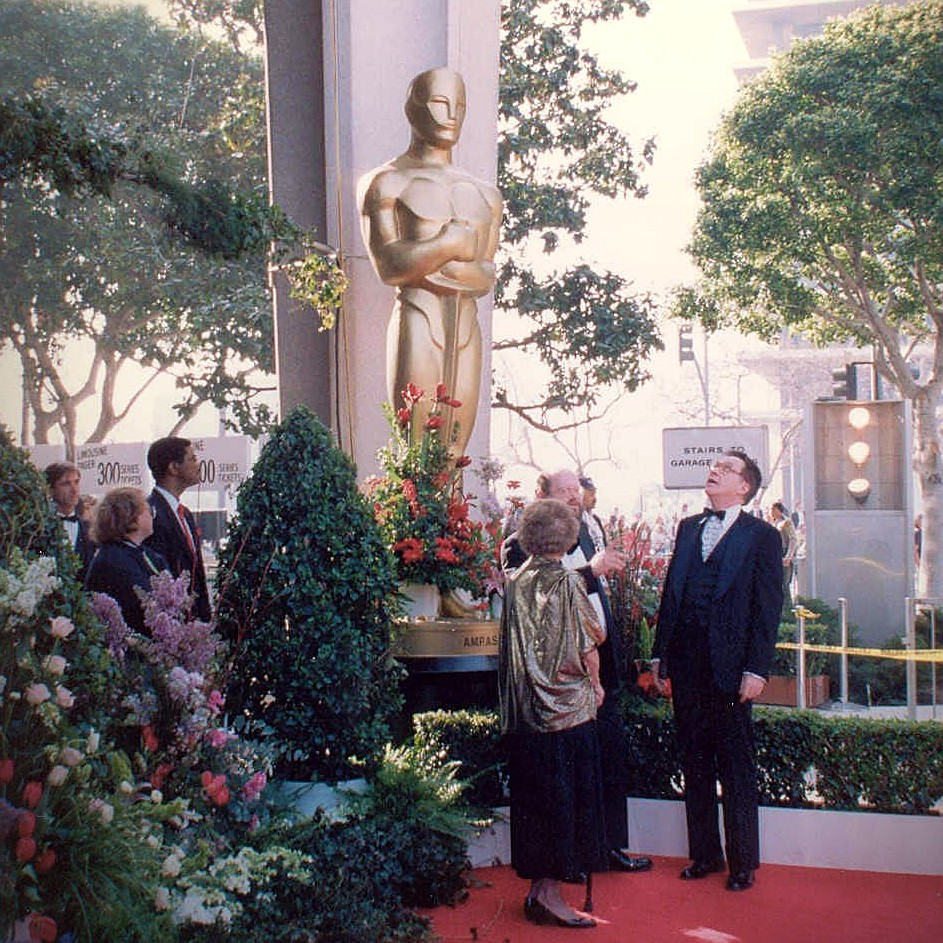 Academy Awards giant Oscar statue