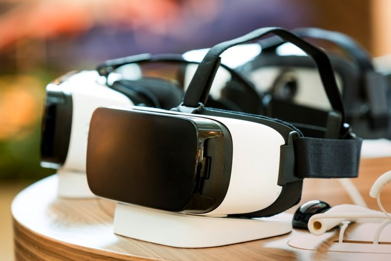 virtual reality headsets for rent
