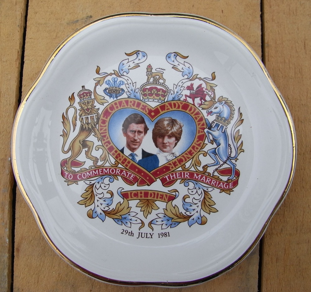 Prince Charles & Princess Diana commemorative plate