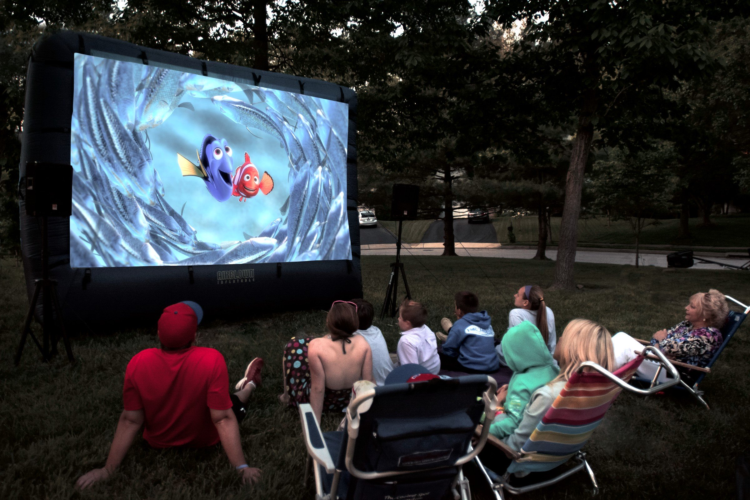 outdoor inflatable movie screen rental national event pros. Black Bedroom Furniture Sets. Home Design Ideas