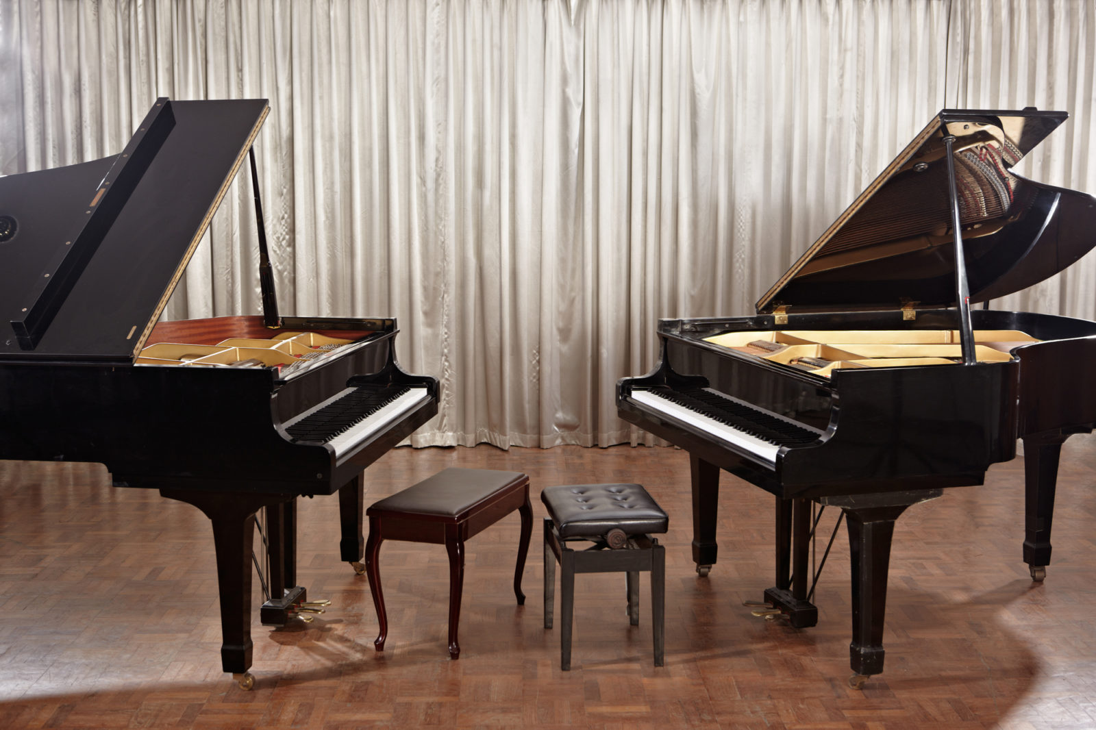 Dueling Pianos theme for events