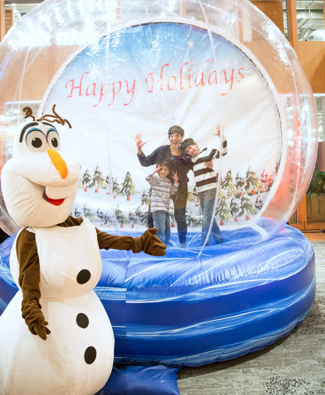Commercial Christmas Decorations Florida: Giant Inflatable Walk-In Snow Globe Rental