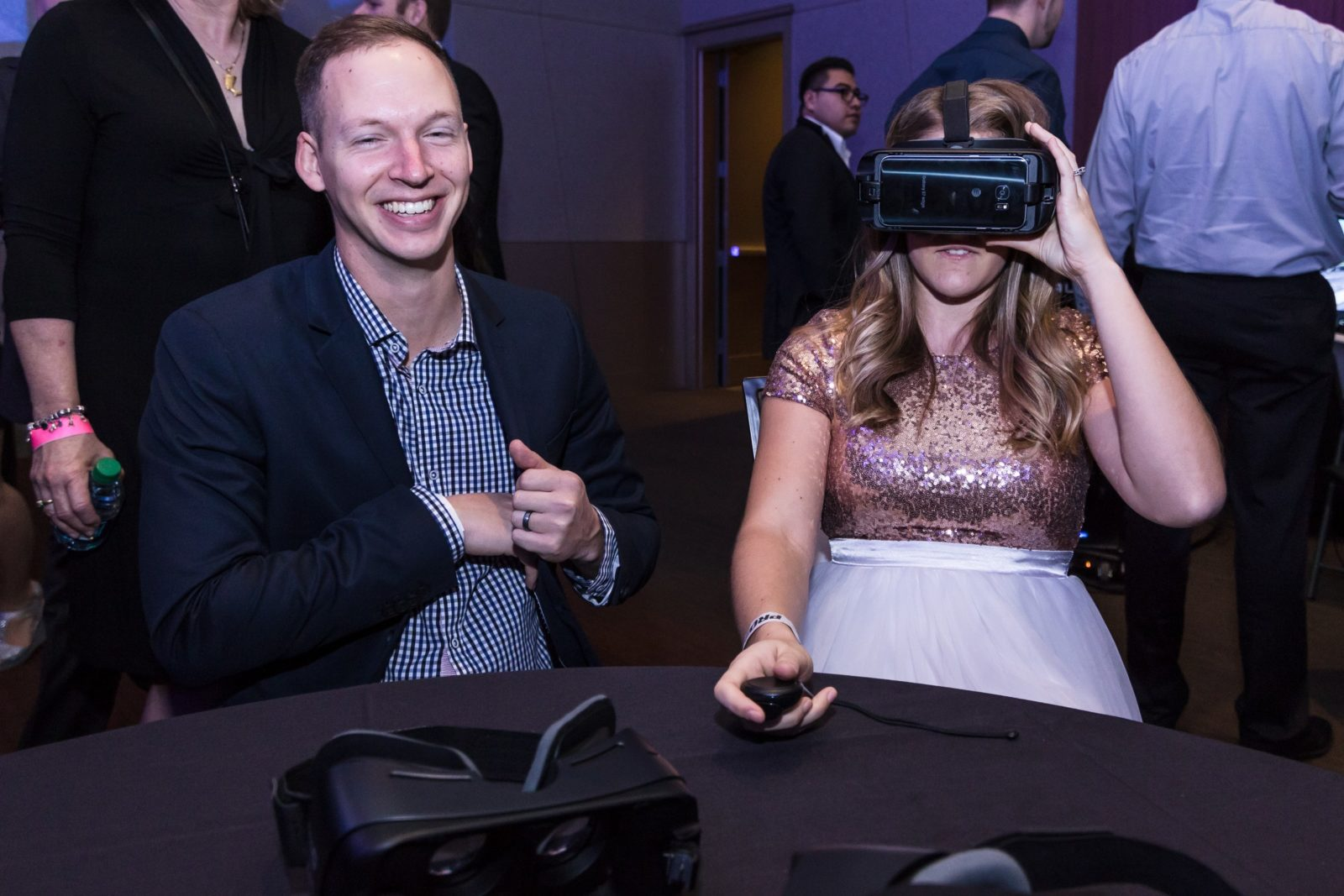 couple using virtual reality