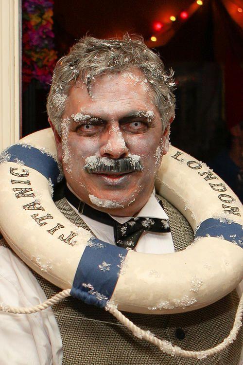 Titanic captain costume