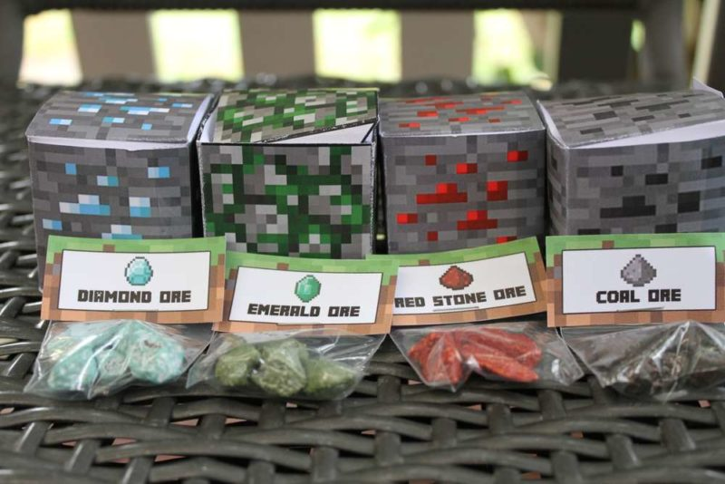 Minecraft themed gift bags