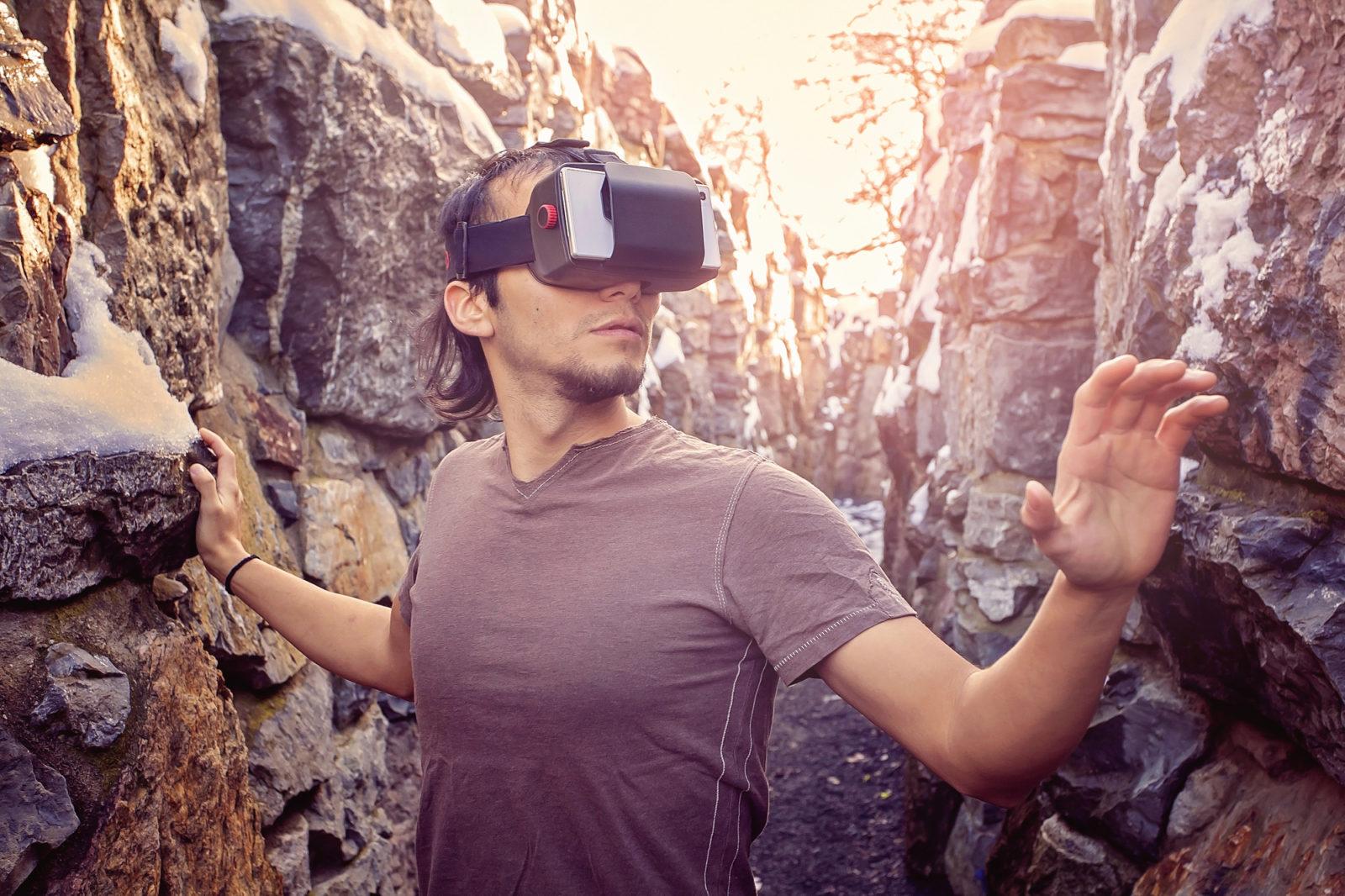 virtual reality explore
