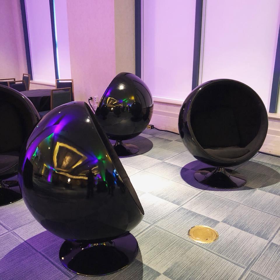 Com Rent: VR Gaming Black Hemisphere Chair Rental