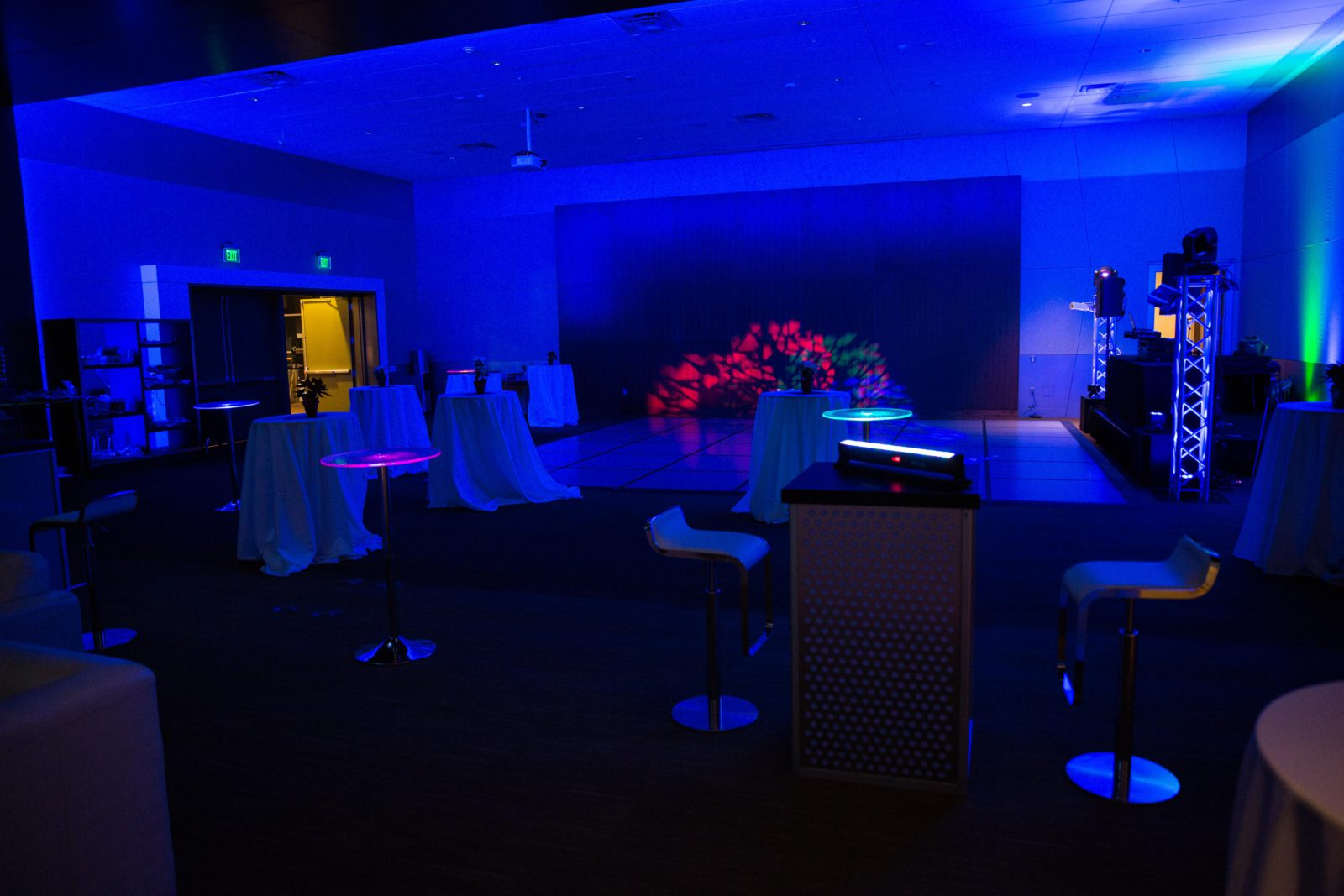 gaming lounge experience package